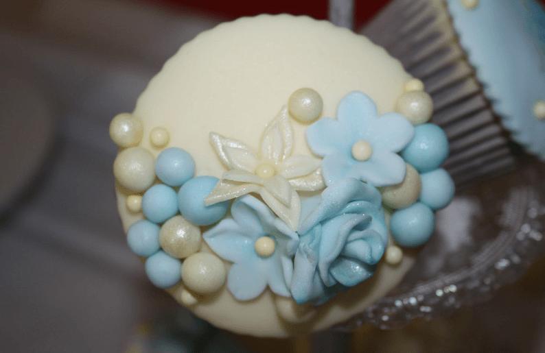 Beispiel: Gelb/ blau- Vintagecupcake, Foto: Lealu Sweets.