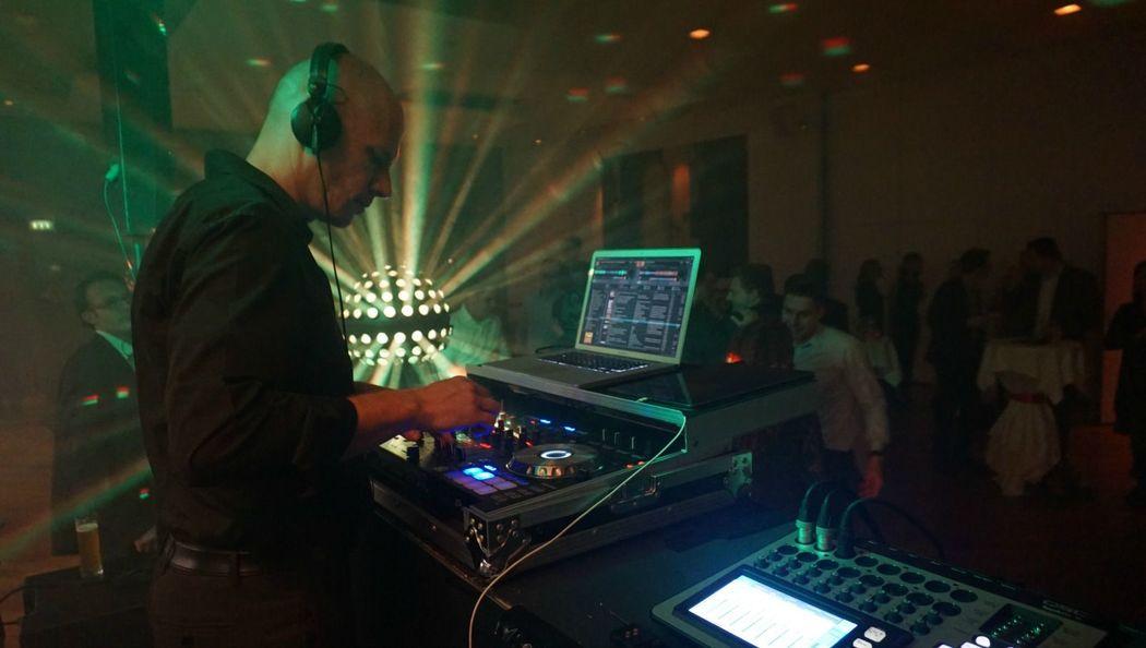 SWISS DJ