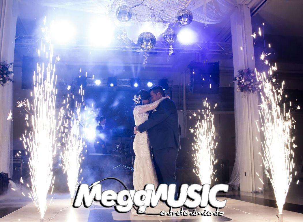 Megamusic Entretenimiento-Luces y sonido