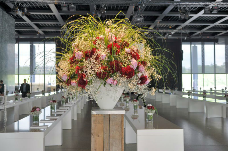 Beispiel: Professioneller Blumenschmuck für Ihre Hochzeitsfeier, Foto: Blumen-Koch Berlin.