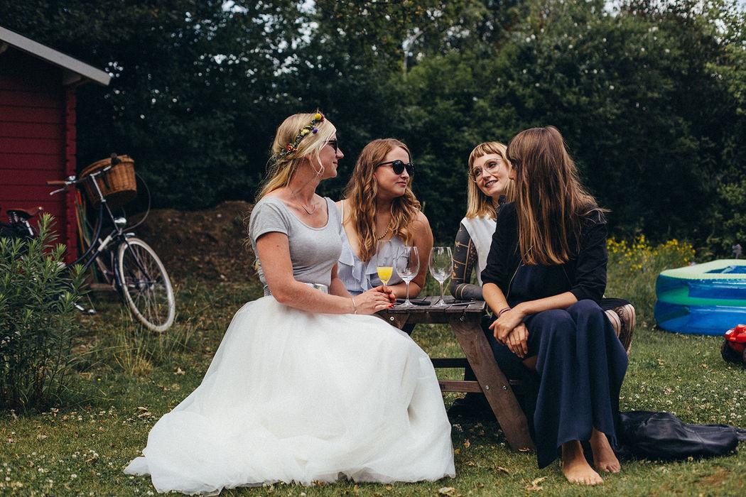 Katja Frames Weddings