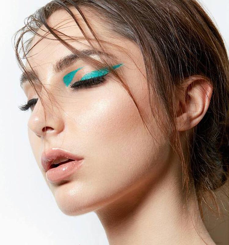 ALINE L. Make Up Artist