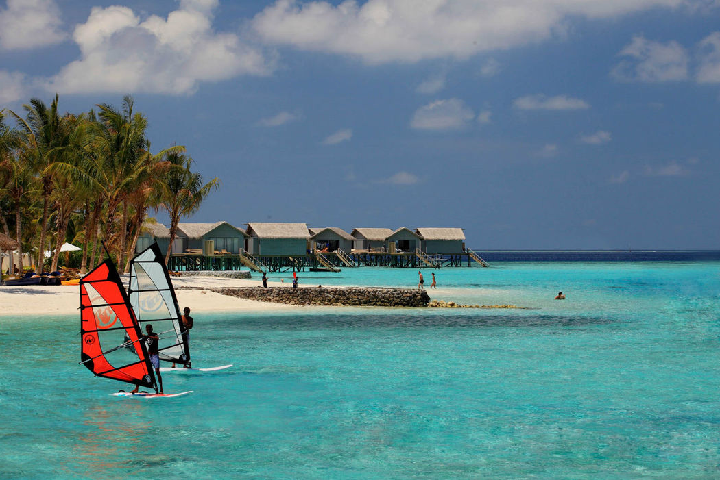 Hier kommt keine lange Weile auf - Centara Ras Fushi Resort & Spa Maldives, Foto: Centara Hotels and Resorts.