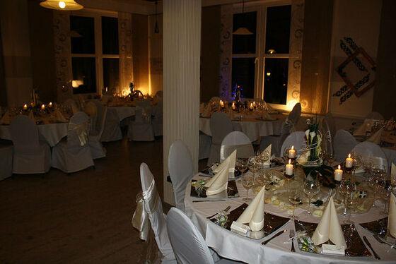 Beispiel: Hochzeitsrestaurant - Bankett, Foto: Eventoase Schützenhaus.
