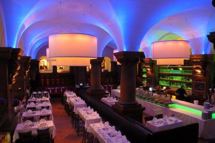 Beispiel: Lichtspiele im Saal Bunte Kuh, Foto: Parlament.
