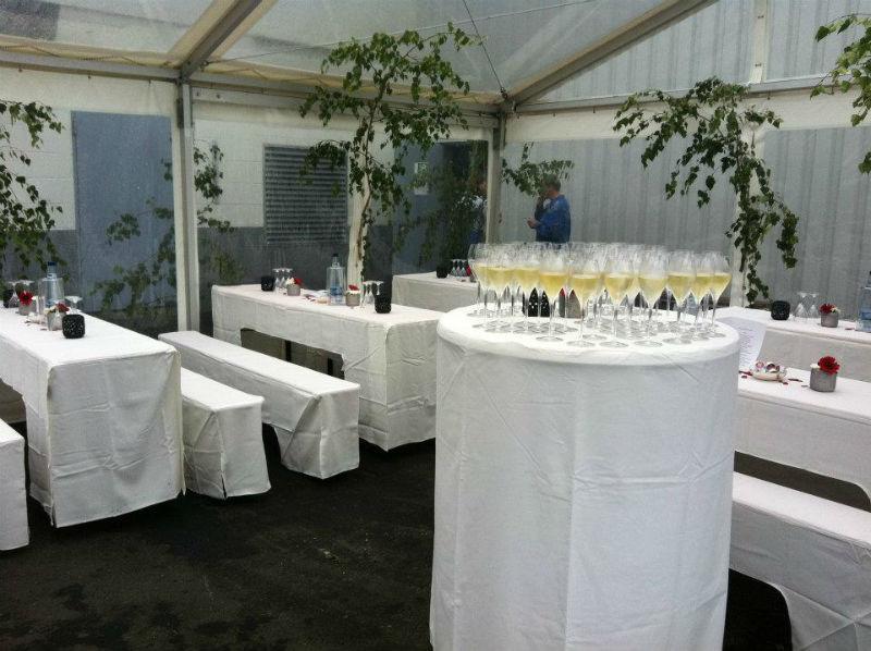 Beispiel: Professioneller Party-Service, Foto: Adel.es Catering.