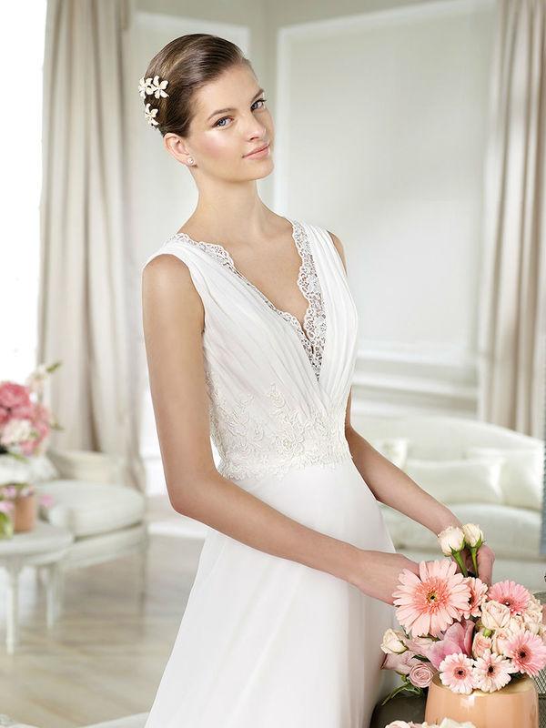 Beispiel: White One Hochzeitskleider, Foto: Brautmode Svetlana.