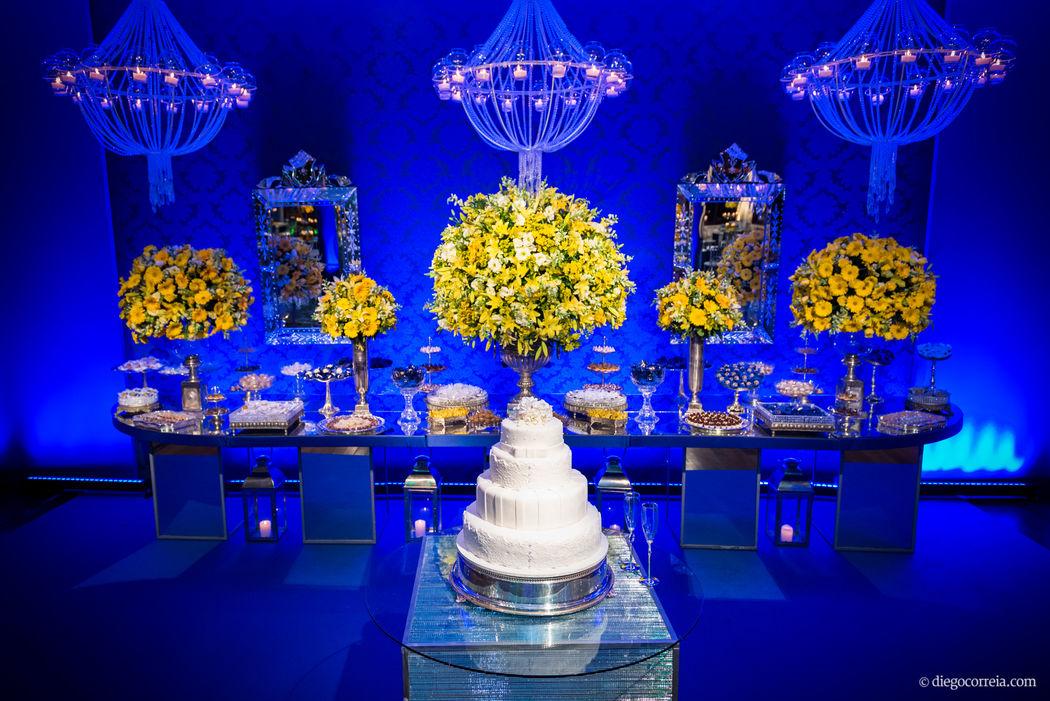 Iluminação das mesas do bolo e de doces