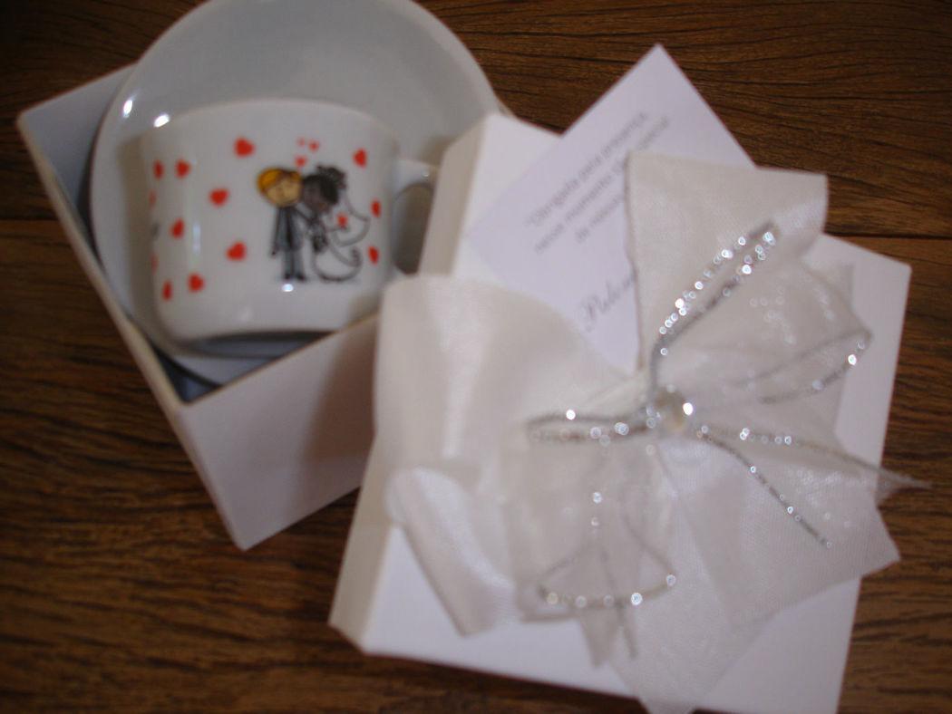 caixa com xicara café golinho com pires personalizada para os convidados - essa foi para Mato Grosso
