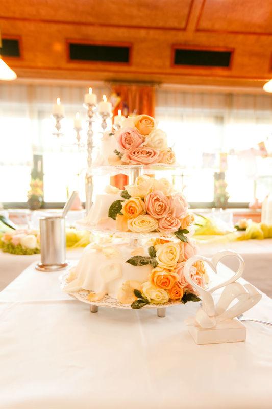 Leckere Hochzeitstorte, Foto: Agentur Yourhappyday