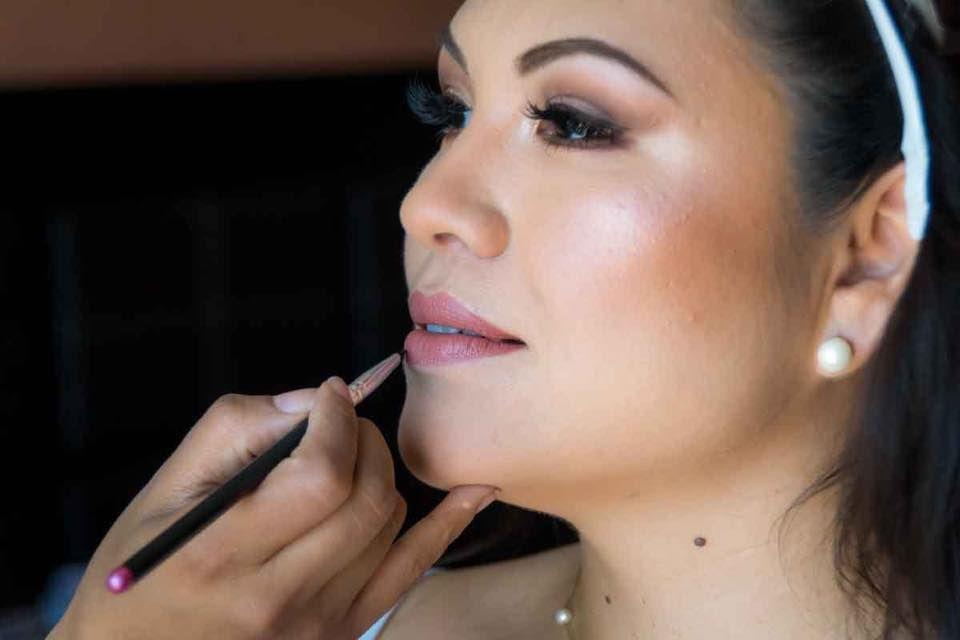 Cinthya Sosa Studio Maquillaje y Peinado Profesional