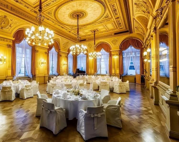 Beispiel: Historischer Spiegelsaal, Foto: Palais Prinz Carl.