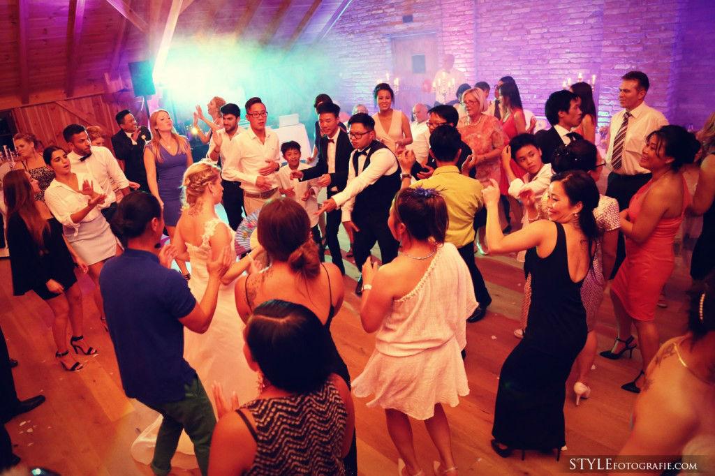 Beispiel: Fotos von der Hochzeitsfeier, Foto: Stylefotografie.