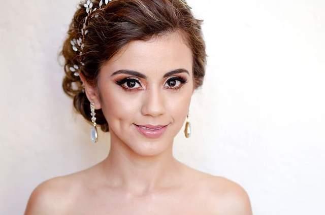 Denisse Rodríguez Makeup & Hair Studio