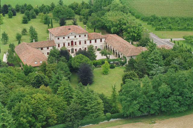 Villa Pera