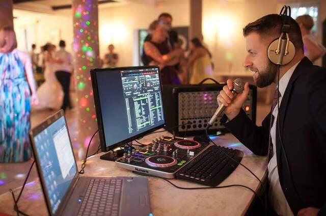 DJ Piotr Poneczko