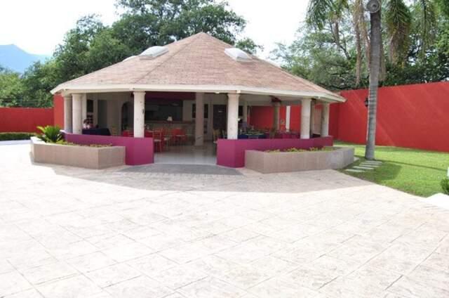 Hacienda Los Encinos