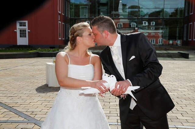 Ihre Hochzeitstauben - Unterwegs im Auftrag der Liebe