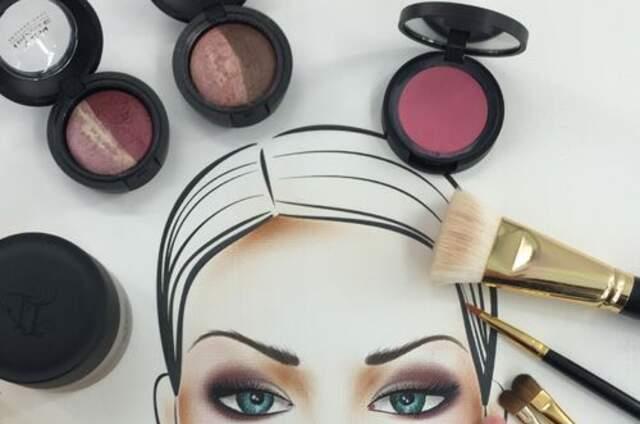 Karu Veintemilla MakeUp Artist