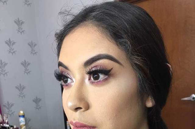 Kitzia make up & nails