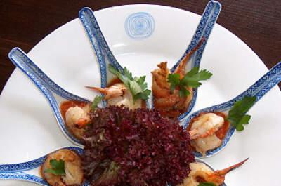 Feng Shui Restaurant Contrast